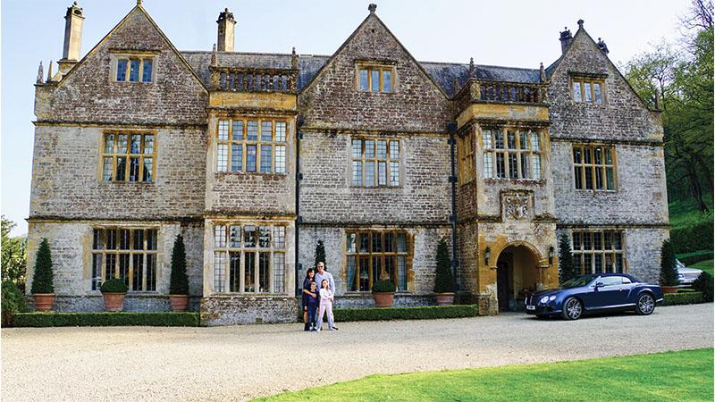 English manor home family